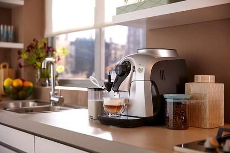 Кофемашина в интерьере кухни