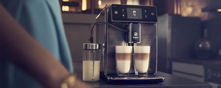 Приготовление капучино в кофемашине